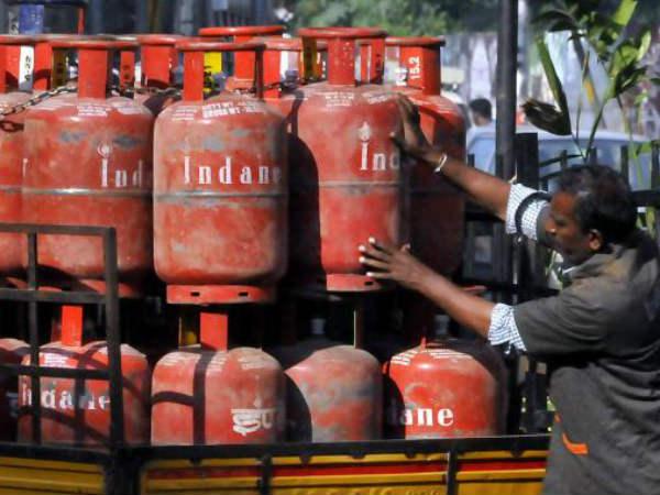 ಬಿಪಿಎಲ್ ಕುಟುಂಬಗಳಿಗೆ 3 ತಿಂಗಳು ಉಚಿತ LPG ಸಿಲಿಂಡರ್: ನಿರ್ಮಲಾ ಸೀತಾರಾಮನ್