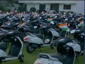 Surat Diamond Trader Gives Employees Scooters Good Performan