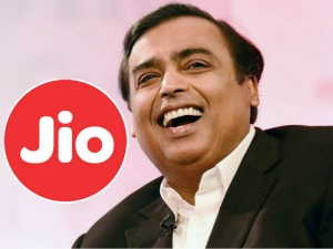 Jio Phone Users Getting The Official Facebook App Today
