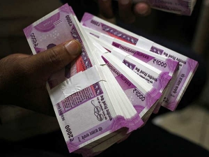 Soiled Rs 200 Rs 2000 Notes Stuck Exchange Counter