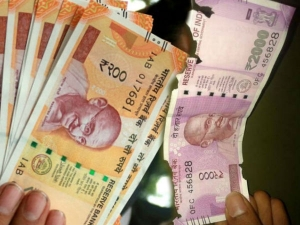 Rbi Allow Exchange Torn Dirty Rs 200 Rs 2 000 Notes