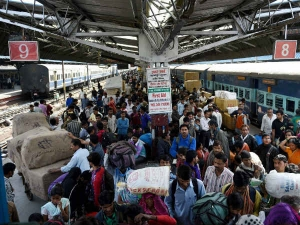 Railway Stations Will Have Free Wifi Next 120 Days Piy