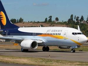 Jet Airways Crisis Worsens Pilots Threaten Strike From Apri