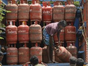 Pm Ujjwala Yojana Lpg Cylinders 50 Lakh Rupees Risk Cover T