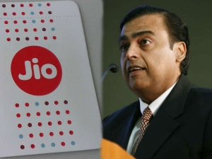 Reliance Jio Wins 3 Awards At Golden Globe Tigers Award