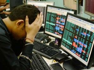 Usa China Trade War Effect1 Sensex Drops 350 Points