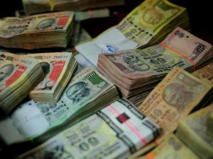 Government Asks Banks Deposit Old Notes At Rbi July