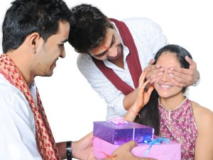 Raksha Bandhan Best Financial Gifts For Your Sister