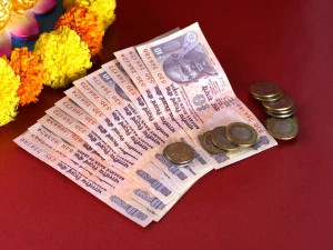Invest Rs 95 Per Day And Become A Crorepati
