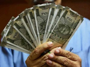 Indian Companies To Offer A Decade Low Pay Hike In