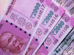 No Plan To Withdraw Rs 2000 Notes Said Government