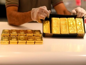 Gold Rate Today Fall For 4th Day Price Decrease By 2500 Rupees For 10 Gram In One Week