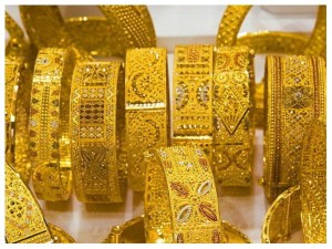 Gold Rate Down 6000 Rupees From Last Month High
